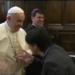 """Papa Francisco emite explicação após a controvérsia """"anel papal retirado"""""""